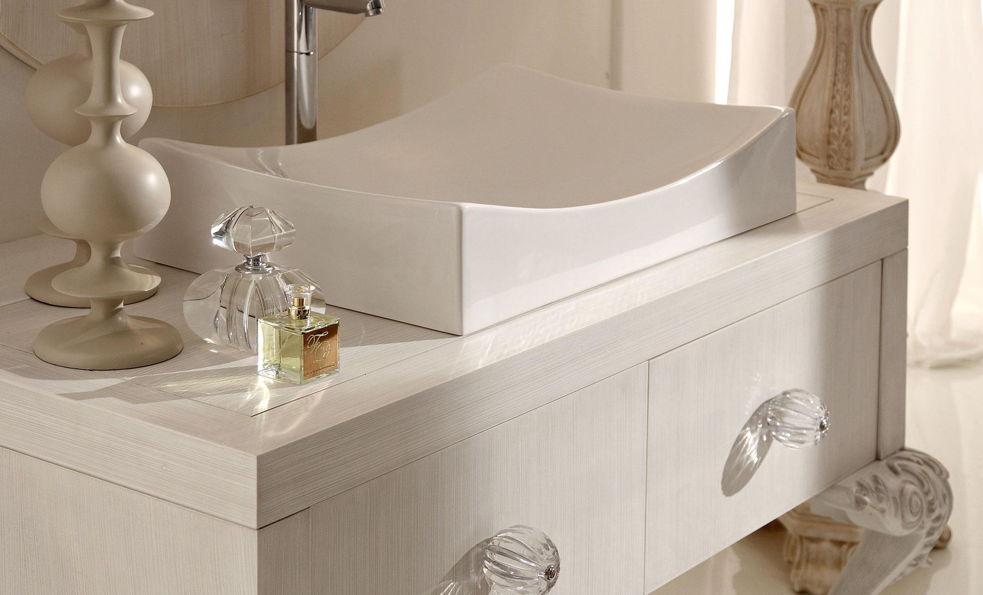 Bagni classici di lusso foto arredamenti bagni classici for Arredamenti classici eleganti